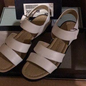Laura Scott sandals Velcro WHITE ⚓️🛳⚓️ NICE